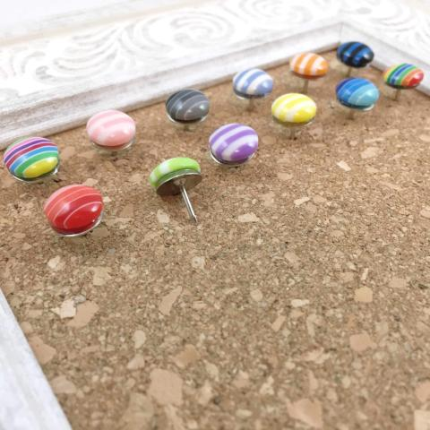 12 Striped Thumbtacks
