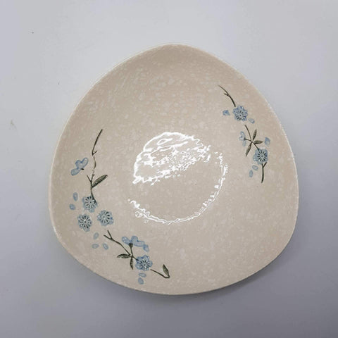 TBWSB001 -  White snow with Blue flowers Triangular Plate - New Eastland Pty Ltd - Asian food wholesalers