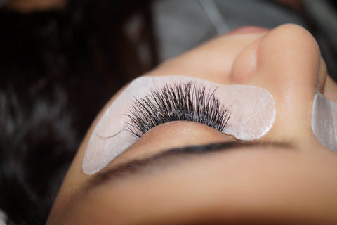 Avoid These 10 Lash Retention Killers And Deliver 6-8 Week Lashes