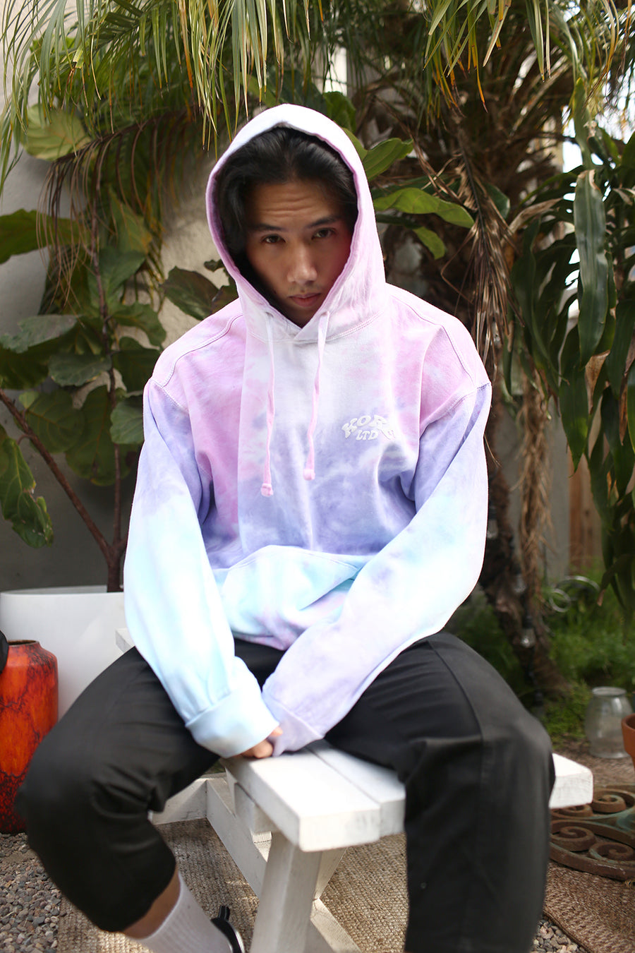 THE WAVE HOODIE WITH PUFF PRINT (RAINBOW)
