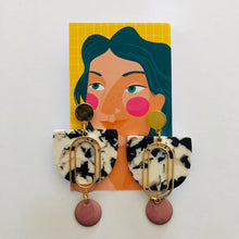 Load image into Gallery viewer, Dame Earrings