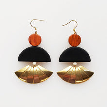 Load image into Gallery viewer, Emperor Earrings Black