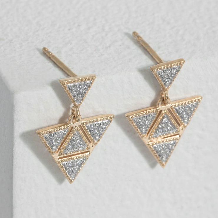 An Original Earrings in Gold
