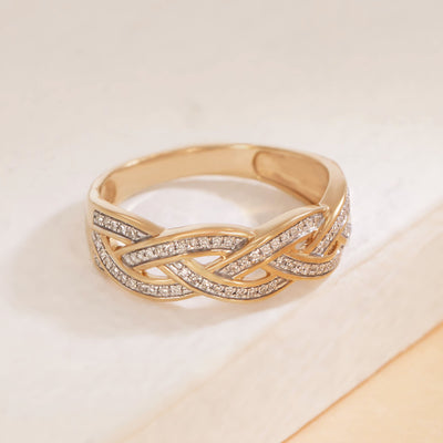 Fully Intertwined Ring