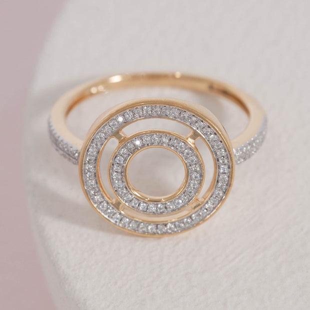 Rock Circle Gold and Diamond Ring