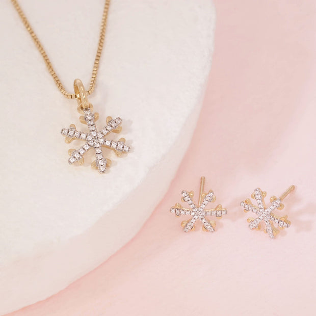 Snowflakes Are Falling Gold Earrings And Diamond Necklace Gift Set