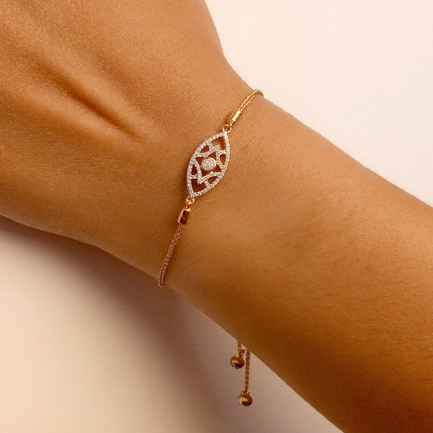 Wearing Lattice Love Gold and Diamond Bracelet