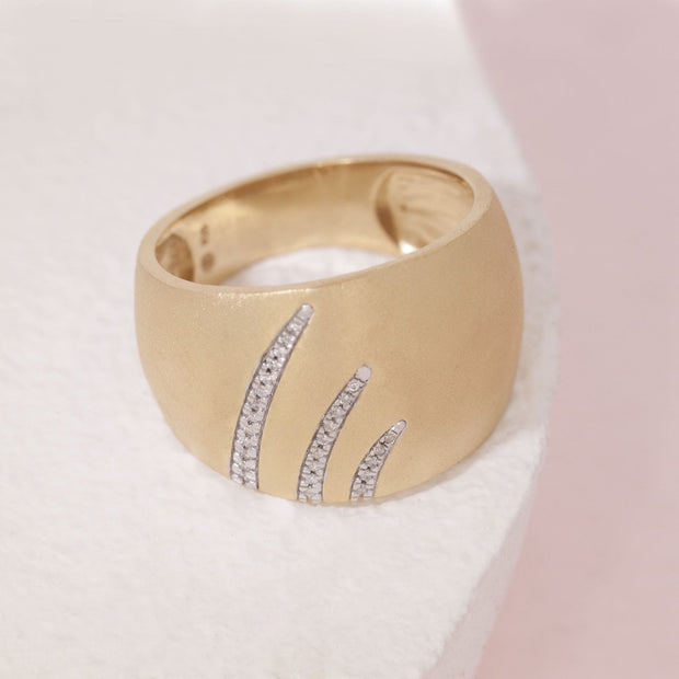 Wish Upon A Star Trail Gold and Diamond Ring