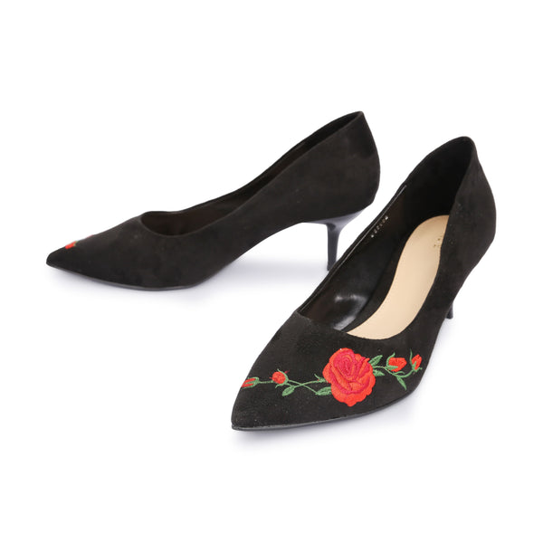 7b501d0057f4 Embroidered Red Rose Vine Fabric Mid Heel Court Shoes - www.girlie.uk.