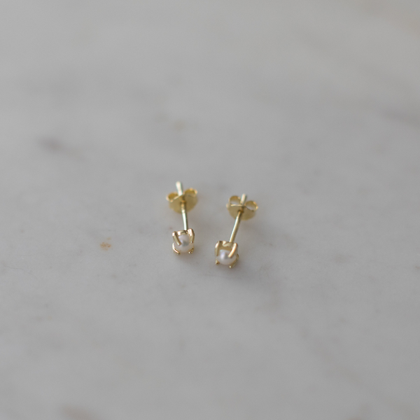 Mini Pearl Studs | Gold