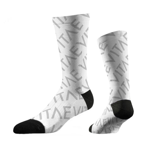 thin-motorcycling-socks-pure-white-chaussettes-fines-blanches-vitae-soul-vetement-clothing-moto