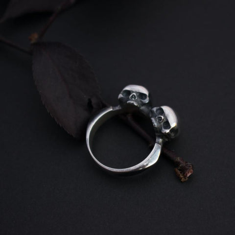 Twin Untimely Skull Ring *
