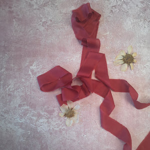SCARLET LUXE SILK RIBBON