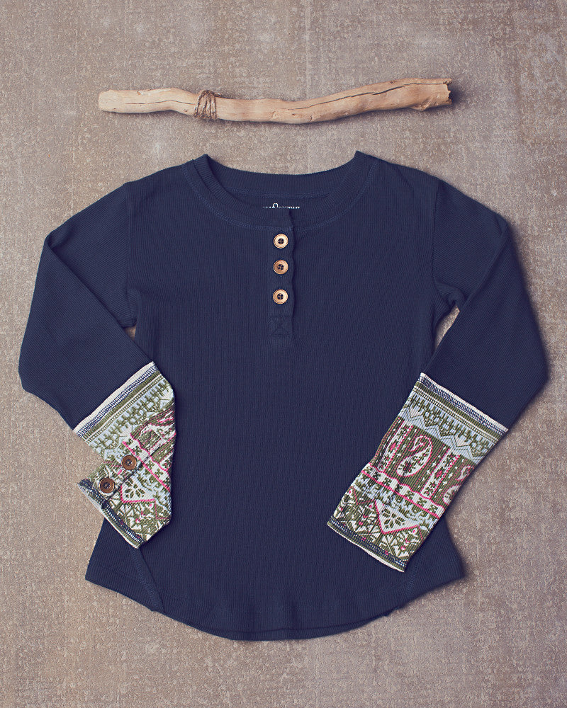 Peppar Classic Henley in Navy Bean