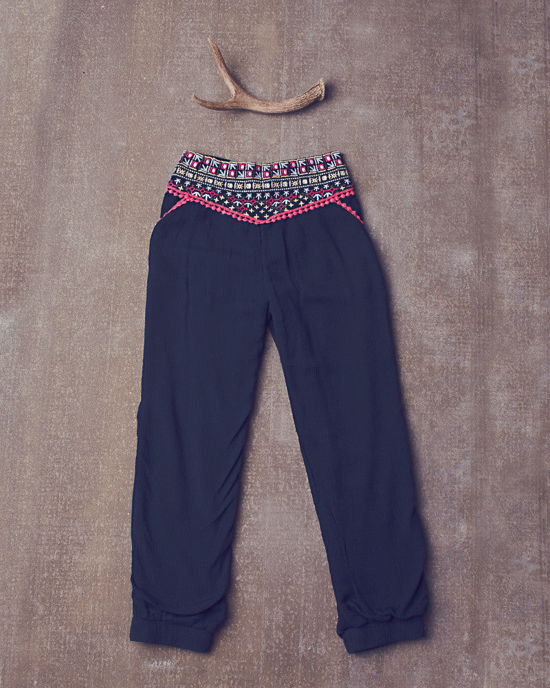 Layla Pant in Navy Bean
