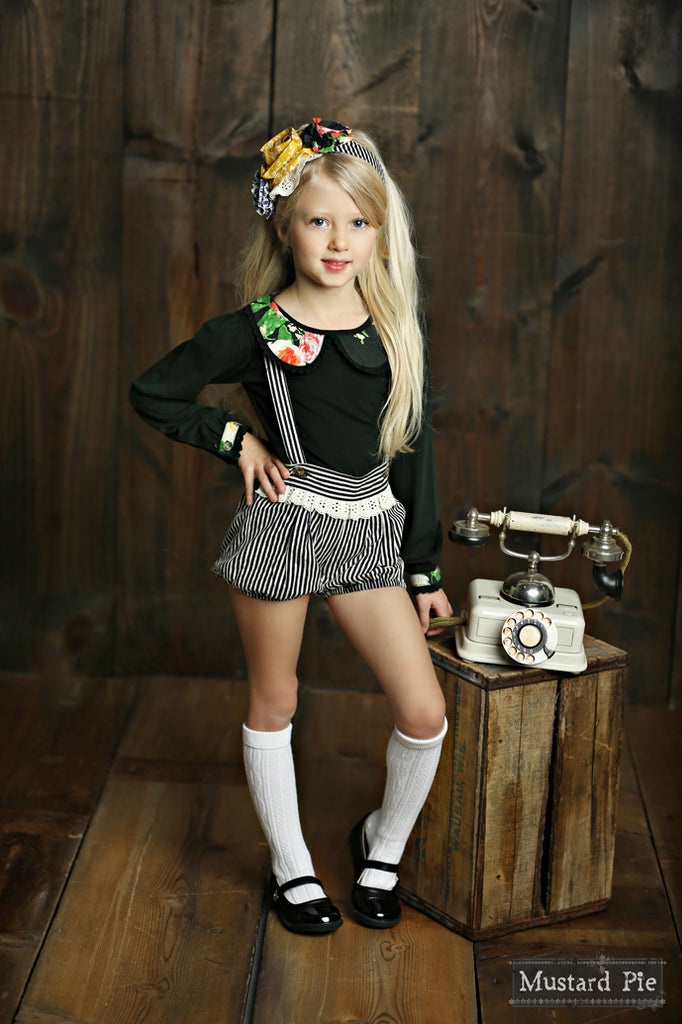 Becket Bloomer With Suspender in Black Stripe