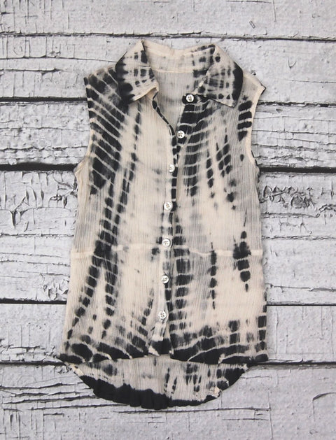 Felicity Button Down  in Vanilla Slate Dazed & Confused