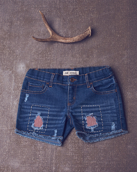 Peppar Patch Cutoffs in Medium Wash