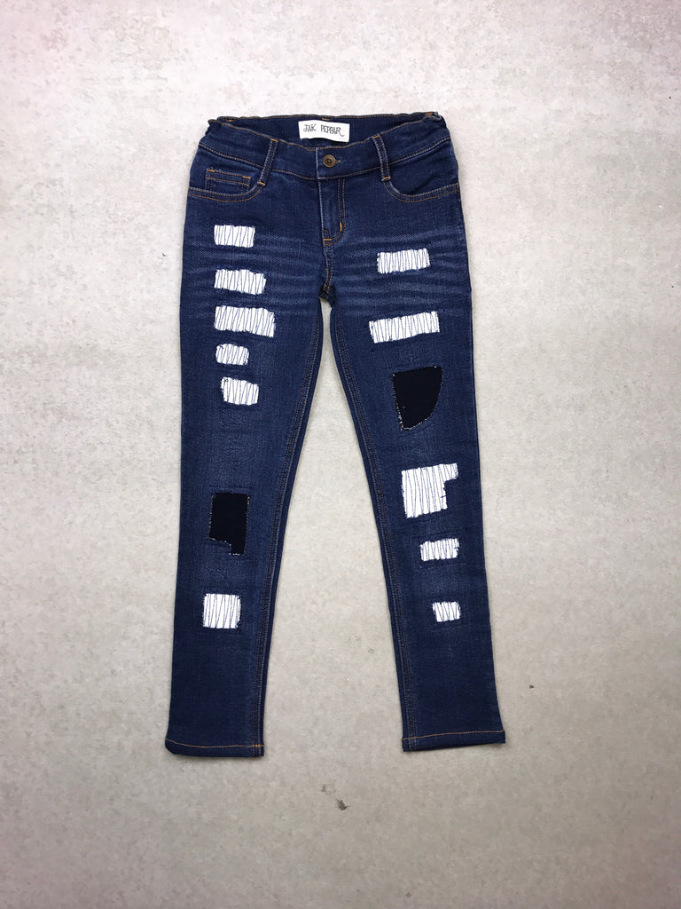 Peppar Boyfriend Skinnies in Dark Wash White Patch