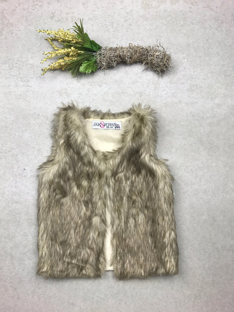 Astrid Vest in Faux Fur