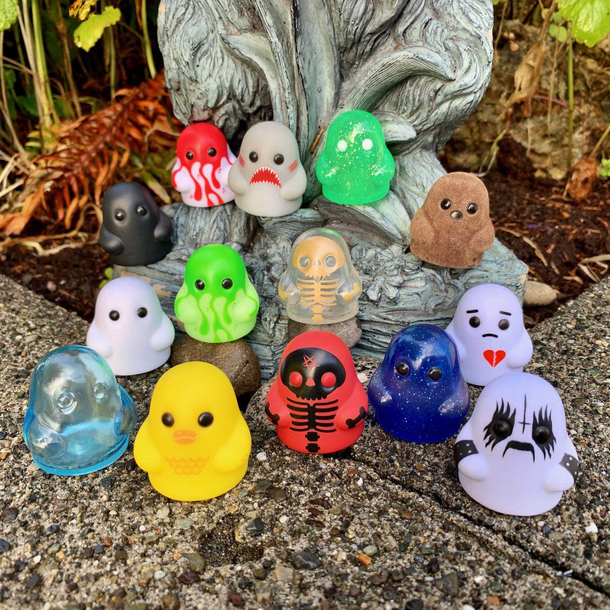 Tiny Ghost (Blind Bag Minis - Series II) Singles