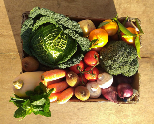 Medium fruit and vegetable box Market Garden Leeds vegbox 1
