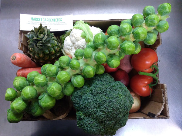 Medium fruit and vegetable box Market Garden Leeds vegbox 2
