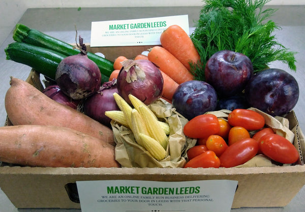 Small fruit and vegetable box Market Garden Leeds vegbox 1
