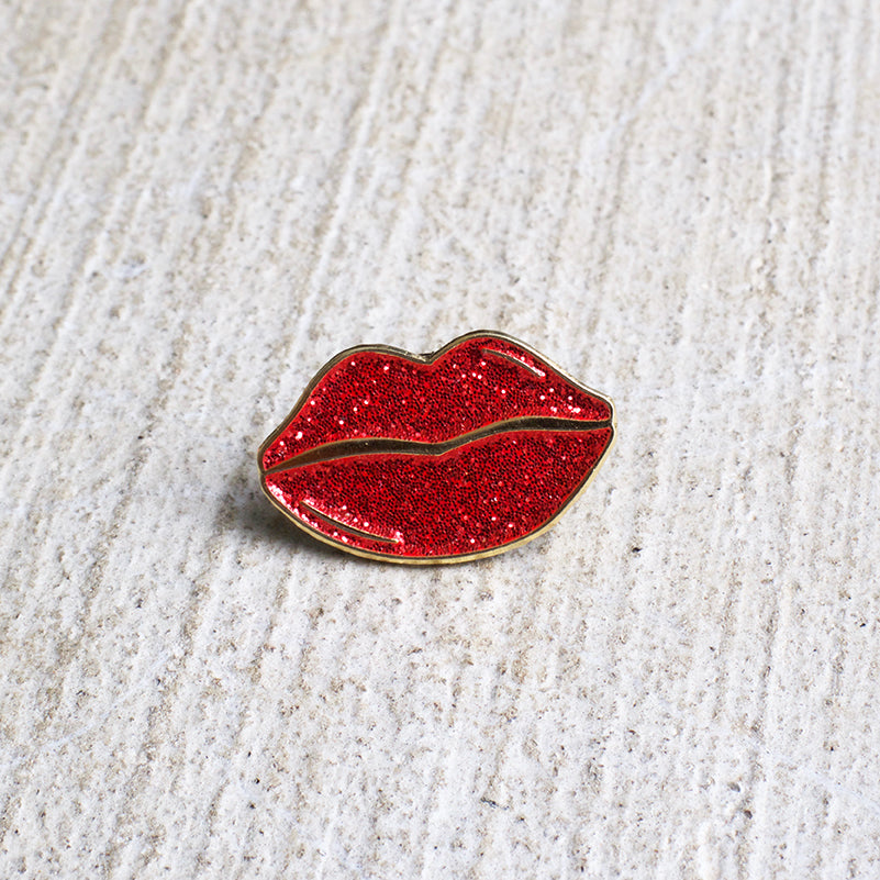 Red glitter lips enamel pin