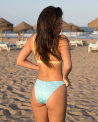 Bikini triángulo estampado margaritas aguamarina mujer | THE-ARE
