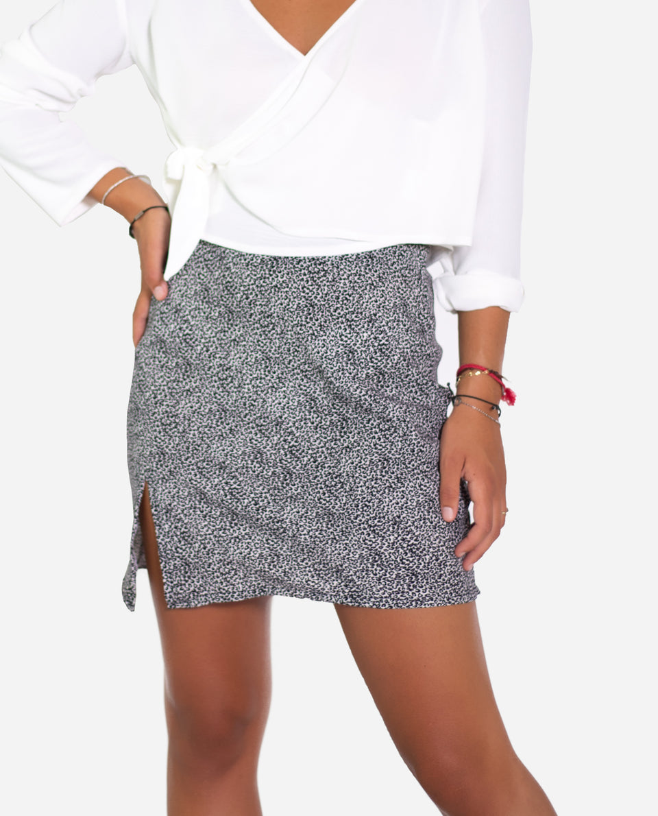 MINI FALDA SAVAGE | Mini falda print animal blanco y negro | THE-ARE