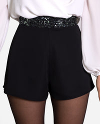 SHORT QUEEN | Short negro con cintura de lentejuelas mujer | Shorts fiesta THE-ARE