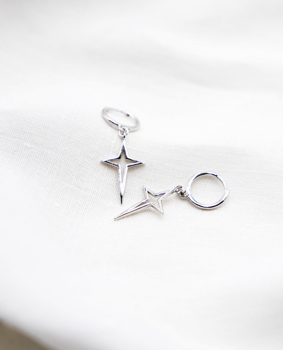 Mini hoop earrings and silver star pendant for woman | THE-ARE