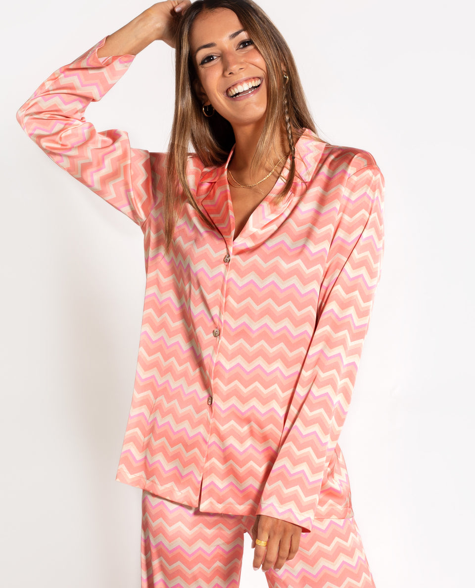 Pijama THE-ARE x @mariafrubies | Camisa Larga Pijama Zig Zag Cora