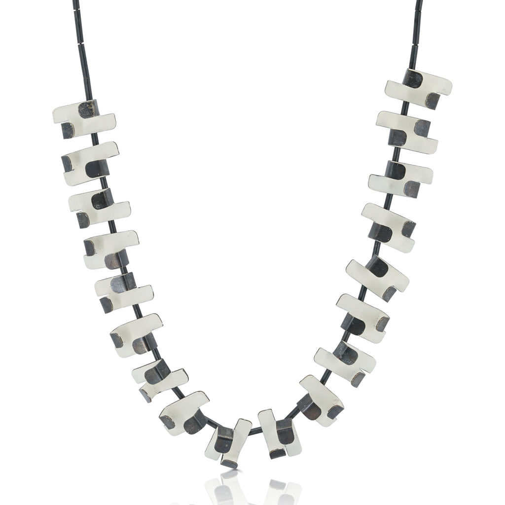 Gemma Canal - Plegs Necklace Shape 5 White