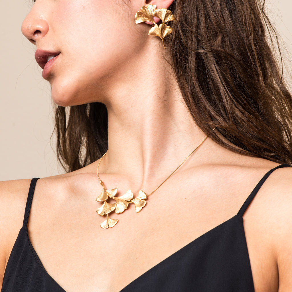 Model wearing Mara Soriano - Gingko Designer Necklace Gold vermeil on IndieFaves