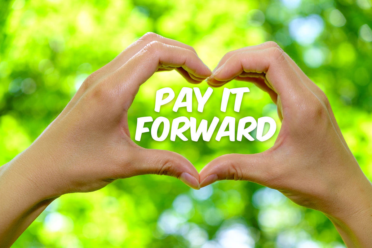 Pay It Forward Day, April 28