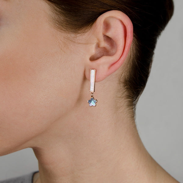 CARA Sterling silver bar earring with mother of pearl flower