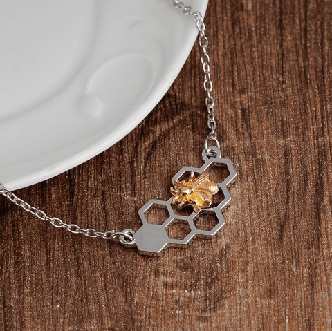 Image of Heart Honeycomb Bee Necklace For Women - Jewelry & Watches / Fashion Jewelry / Necklace & Pendants