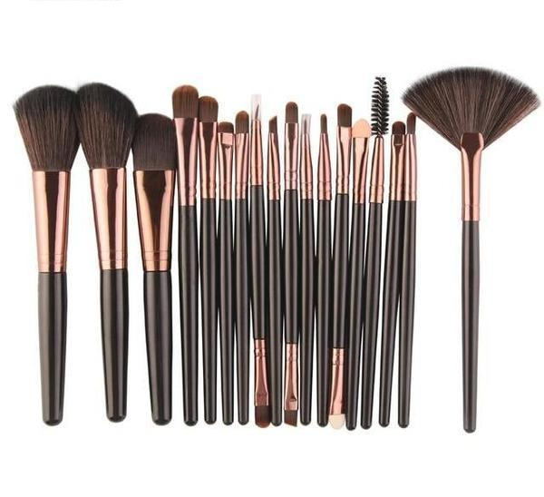 18 Pieces High Quality Makeup Brushes Set - Home Improvement / Tools / Tool Sets
