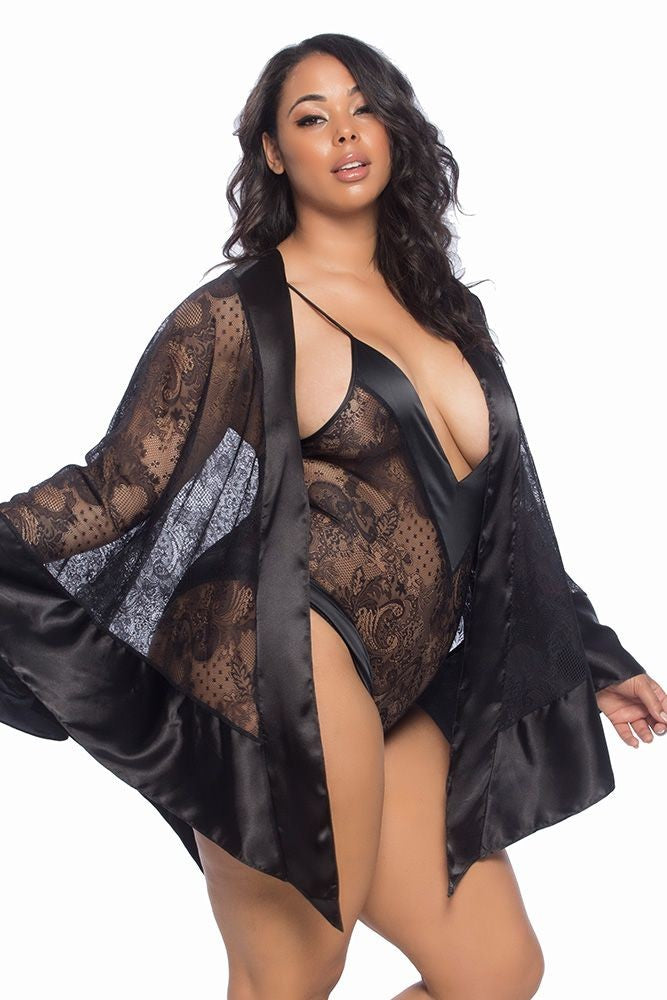 Coco All Over Lace Statement Robe in OSXL
