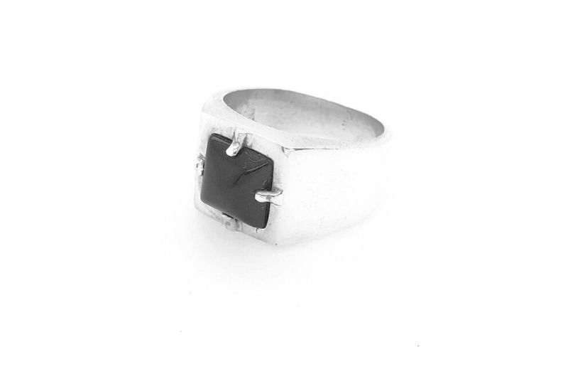 Nikki Signet Ring