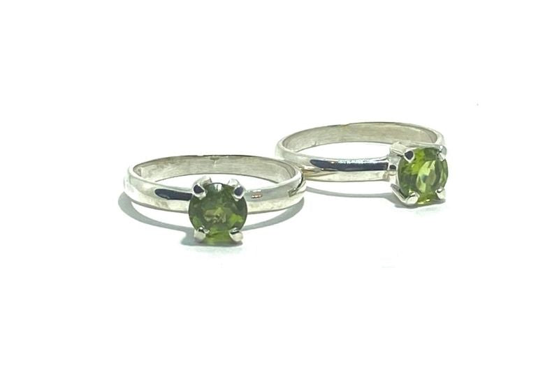 Iti Pretty Peridot Ring