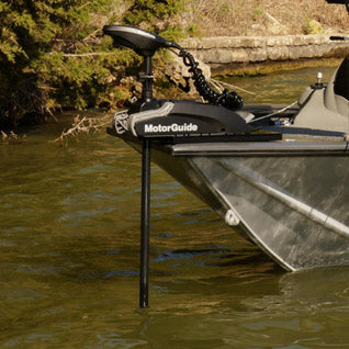 MotorGuide Xi3-54FW Freshwater, Bow-Mount, Pontoon Trolling Motor, Electric Steering, Wireless Remote - 12V, 54lb, 48""