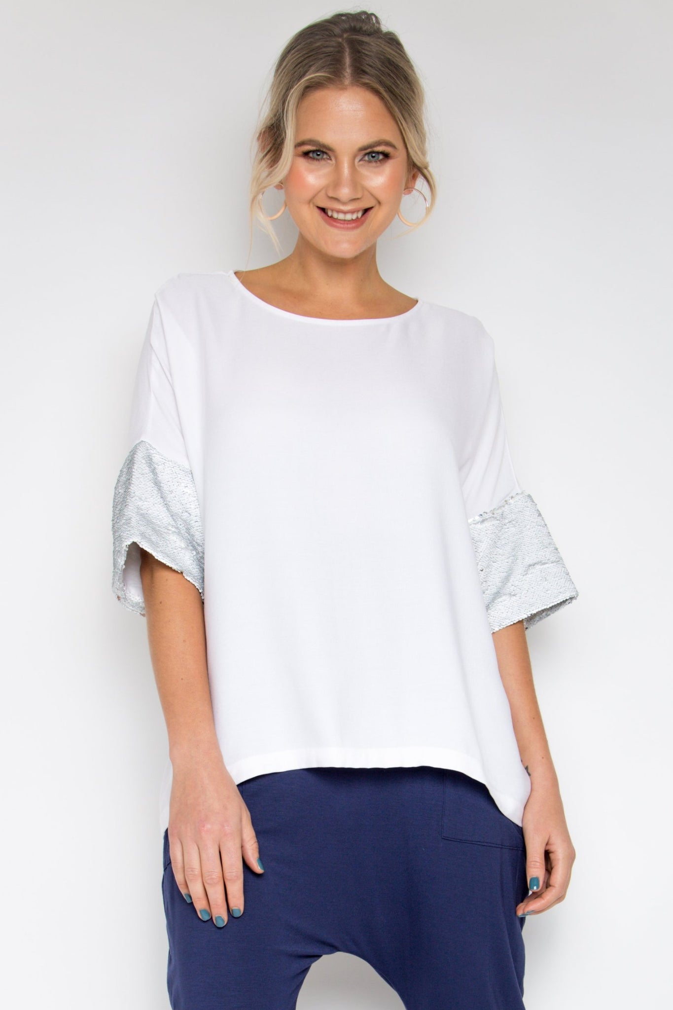 A Cute Top with sequin sleeves in Coconut / White Silver