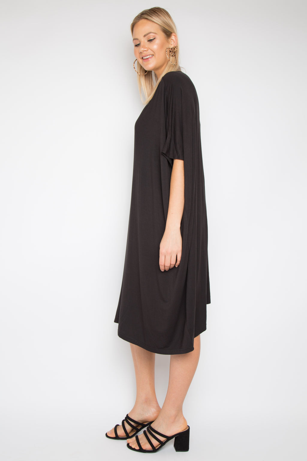 A Nice Dress in Black (bamboo)