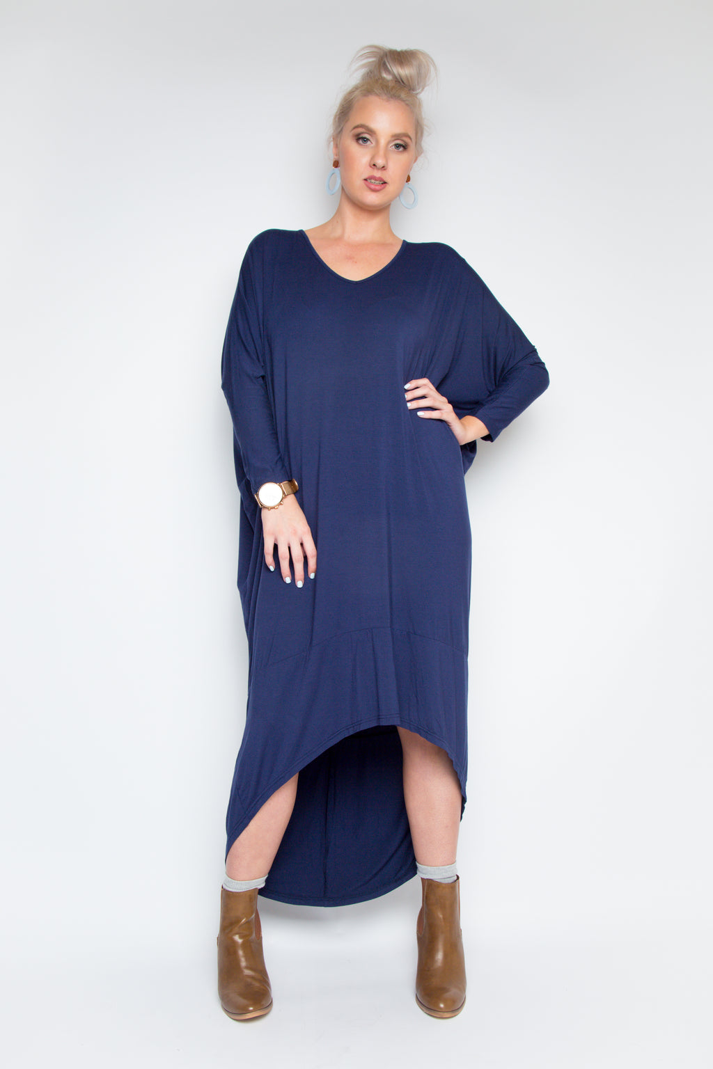 Bamboo Long Sleeve Scoop Maxi Dress in Navy