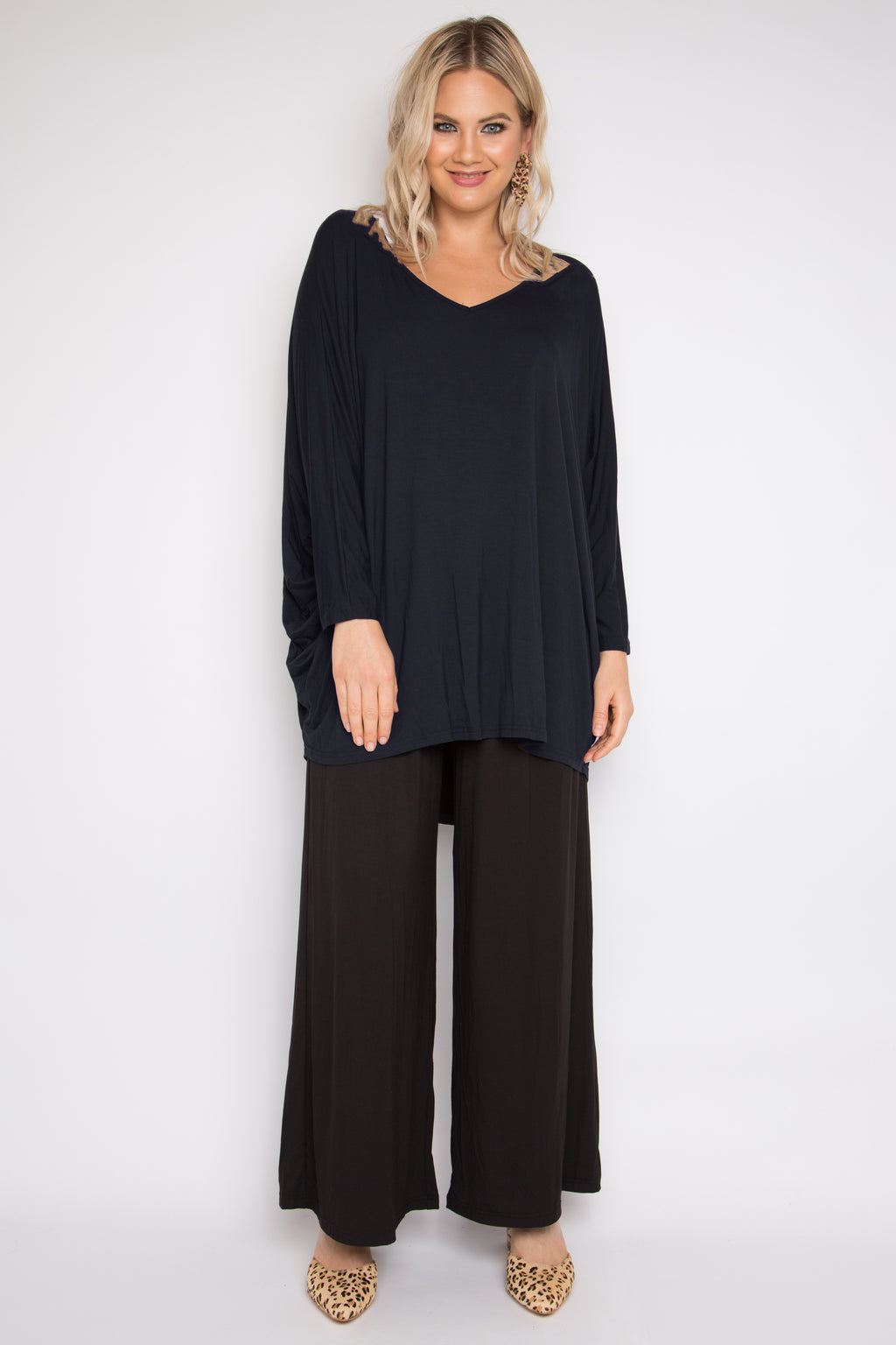 Bamboo Long Sleeve Hi-Low Miracle Top in Midnight
