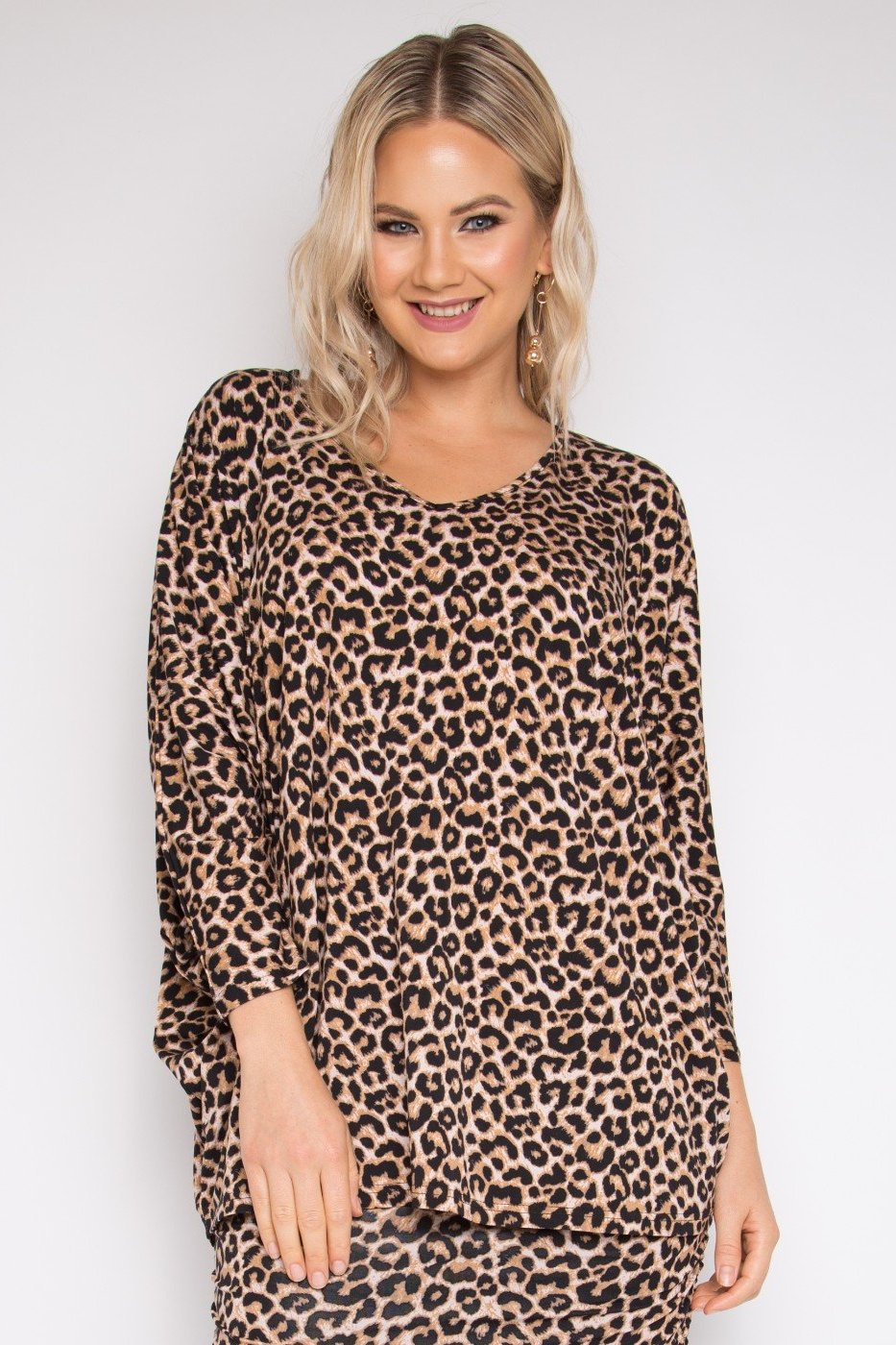 Long Sleeve Hi-Low Miracle Top in Ginger Leopard