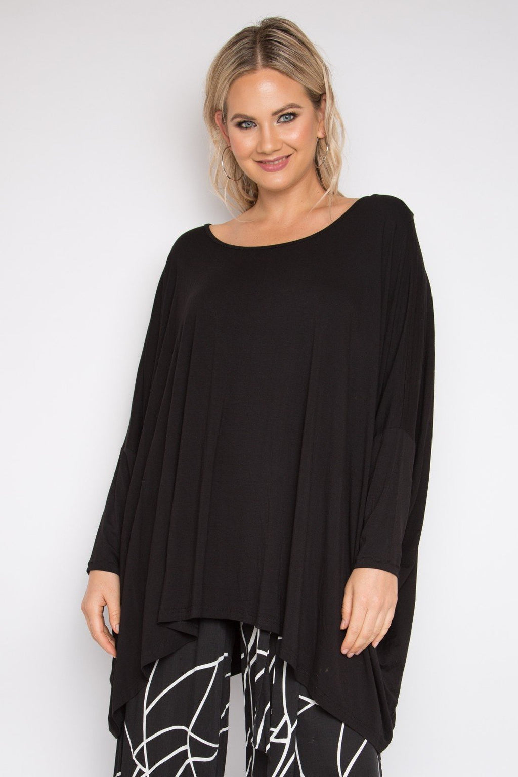 Long Sleeve Essential Top in Black (Bamboo)
